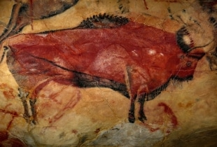 primitive drawing of bison like creature.